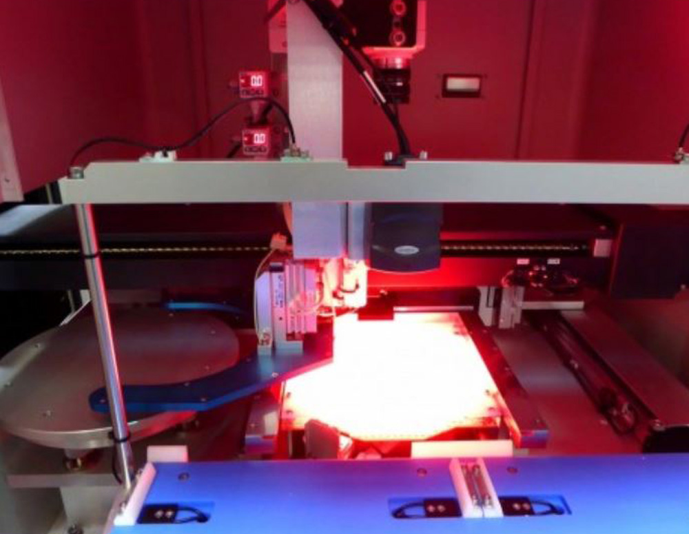ESI Accuscribe 2600 Laser Wafer Scriber