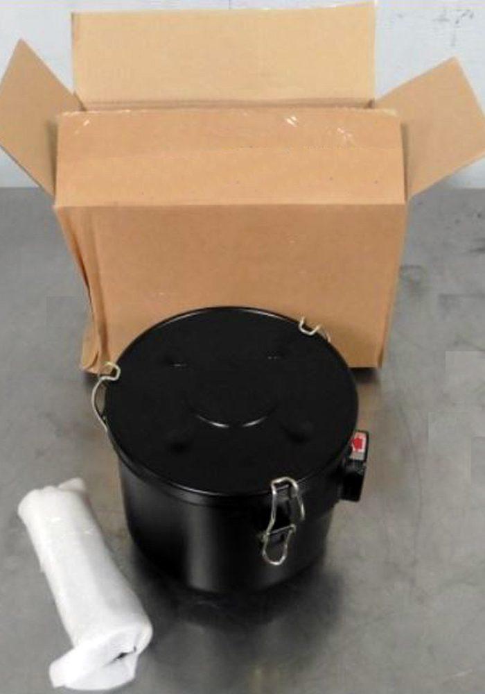 Edwards EV100 Oil Sealed Rotary Vane Vacuum Pump